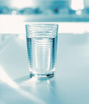 اجعل كاسك ماءا عذبا لتشربه حلوا عذبا 7015.jpg