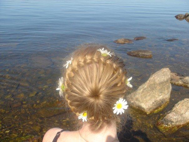 تسريحات شعر للإطفال أنيقة جميلة - تسريحة شعر تجنن روعة متنوعة - بالصورتسريحات شعر للبنوتات لجميع المناسبات 90397.png