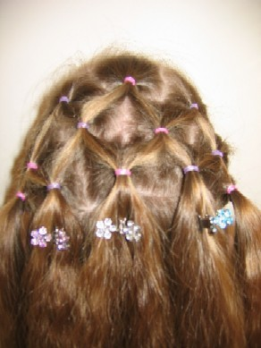 تسريحات شعر للإطفال أنيقة جميلة - تسريحة شعر تجنن روعة متنوعة - بالصورتسريحات شعر للبنوتات لجميع المناسبات 93796.jpg