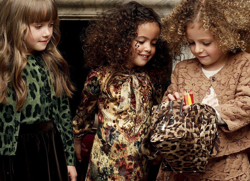 جديد ملابس الصبيان 2013اقراط من Dolce Gabbanaفساتين من ماركة Dolce
