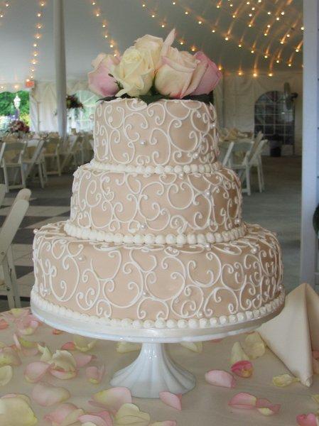 جميلة,simple wedding cakes 185730.JPG