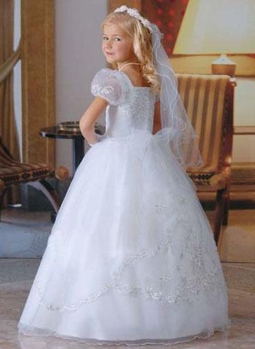 فساتين وسواريهات للمناسبات والاعراس لاحلى البنات احلى فساتين سهرة للبنات 2013 197335.jpg