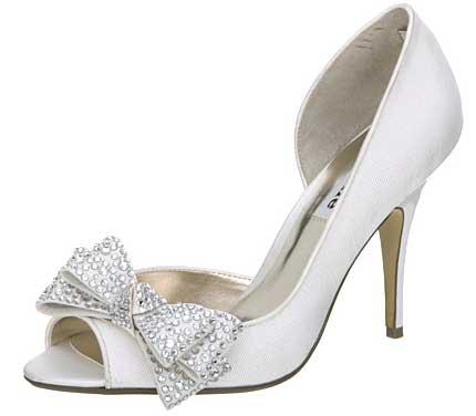 شوزات راقيه للعروس صنادل واحذية لعروس رجيم الجميله 242854.jpg