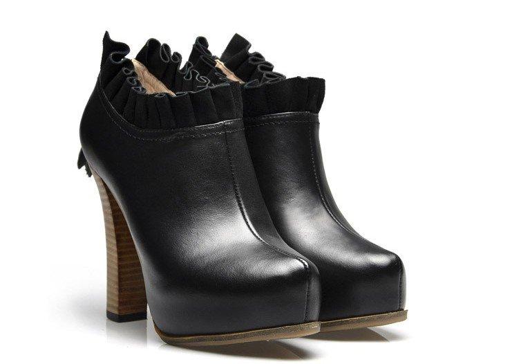 شوزات شتوى جميله احذية منوعه بوتات جميله 2014 281502.jpg