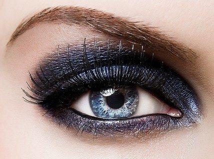 لوكات جديدة ورائعة للعين وطرق رسم وعمل مكياج العيون بالصور 2014 314595.jpg
