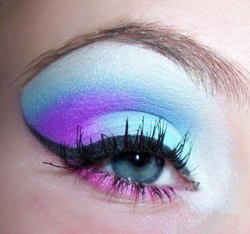 لوكات جديدة ورائعة للعين وطرق رسم وعمل مكياج العيون بالصور 2014 314598.jpg