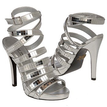 الأحذية 440655.jpg
