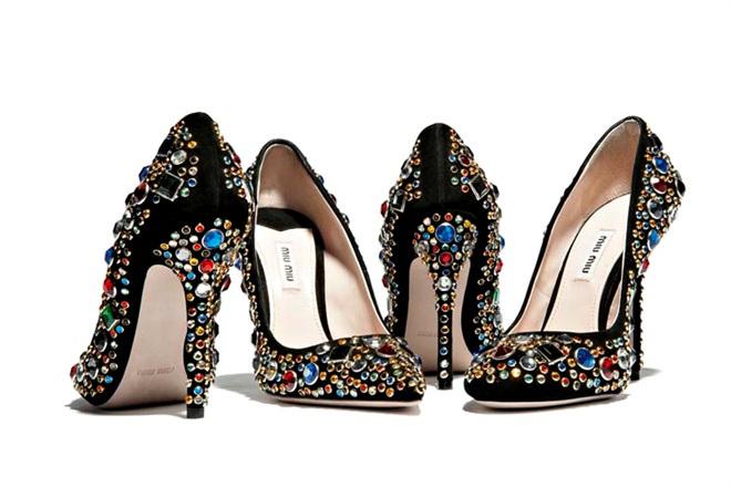 تشكيلة من ارقى الاحذية الماركة موديلات احذية جديدة وحصرية على رجيم 462426.jpg